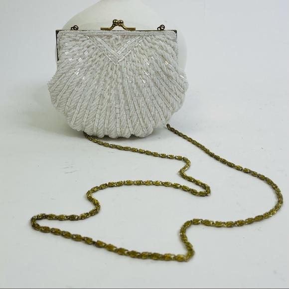 Vintage 60s Hand Made Beaded Shell Hinge Crossbody